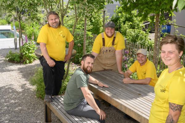 Teamfoto Salamander Naturgarten AG