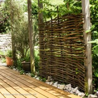 z une und sichtschutzelemente im garten salamander naturgarten ag. Black Bedroom Furniture Sets. Home Design Ideas