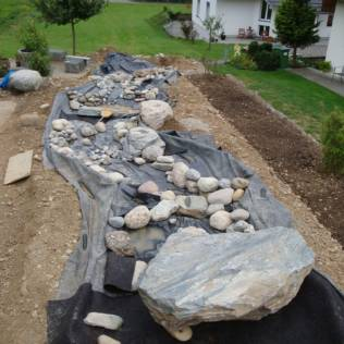 Bau Bericht Bachlauf Im Garten Salamander Naturgarten Ag