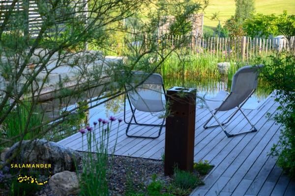 Garten auf Augenhöhe, Holzdeck bei Schwimmteich